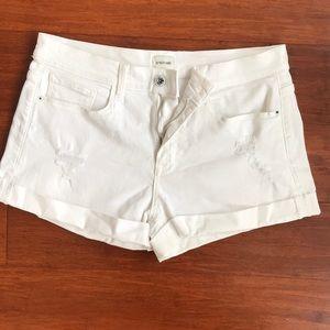 sneak peek✨white shorts